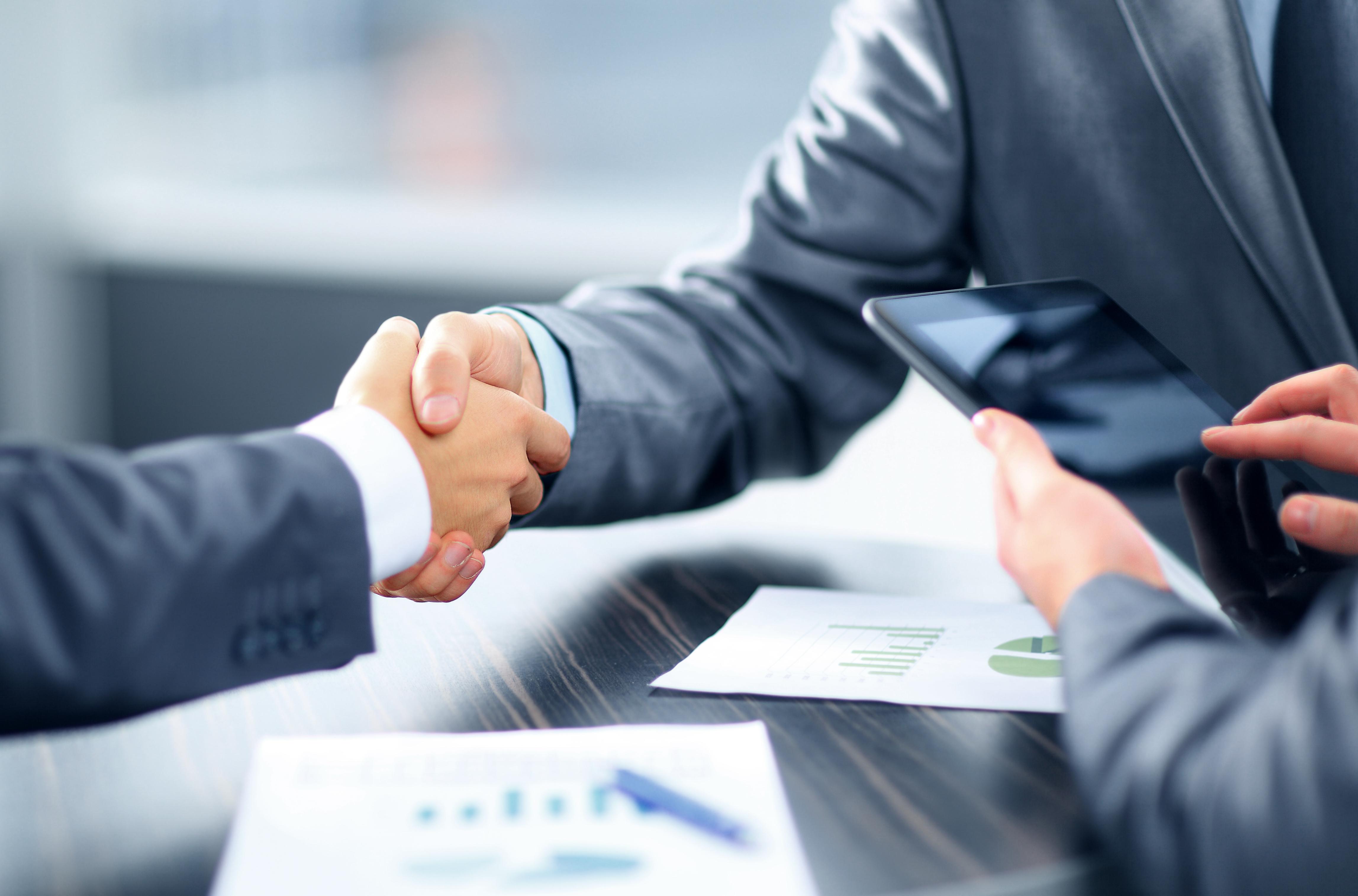 parceria entre startups e grandes empresas